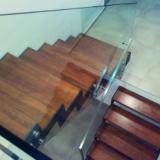 Skleněné schodiště a zábradlí